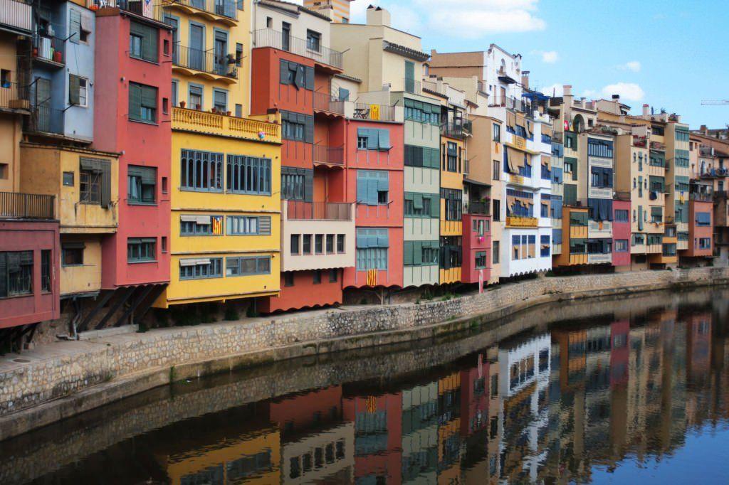 Girona. Casas de colores