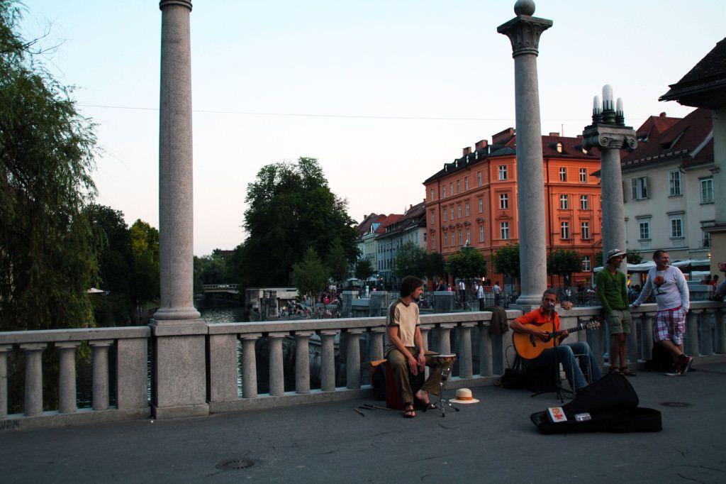 Músicos en el centro de Ljubljana