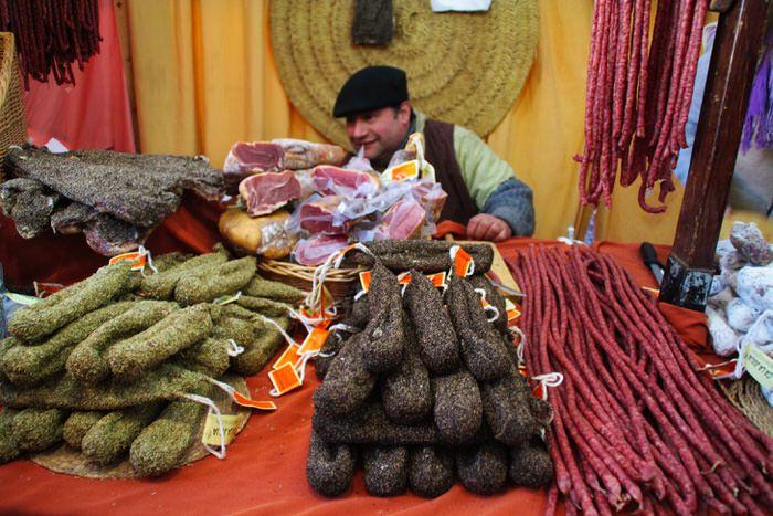 Embutido. Mercado Medieval Vic