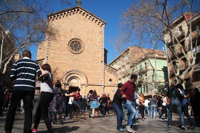 Plaza de la Virreina. Swing. Gracia. Barcelona