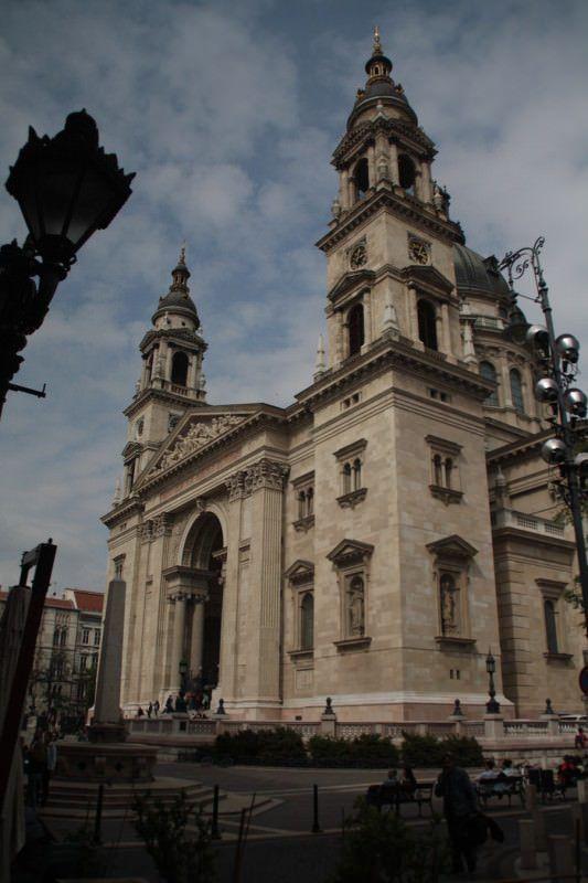 Iglesia de San Esteban de Budapest, capital de Hungría