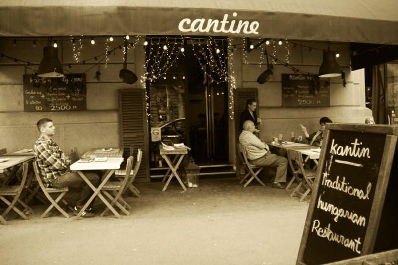 La Cantine en Budapest. El viaje me hizo a mi