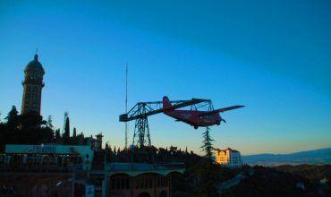 Avión Parque de atracciones del Tibidabo. El viaje me hizo a mí. Blog de viajes