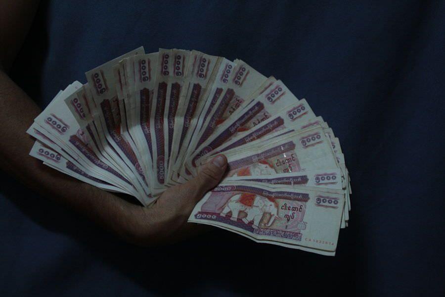sacar dinero en Myanmar