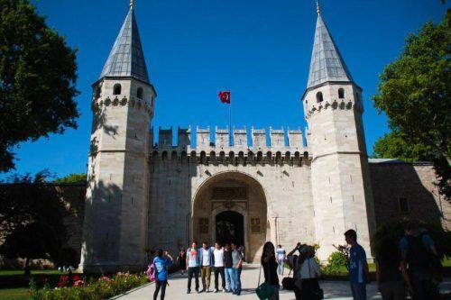 Entrada Palacio Topkapi. Estambul. Turquía. El viaje me hizo a mi. Blog de viajes.
