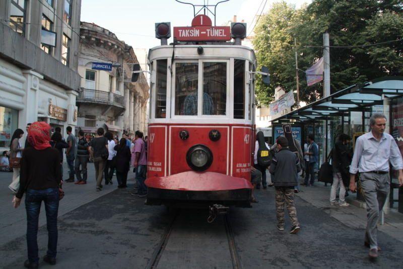 Tranvia antiguo en Estambul. El viaje me hizo a mi. Blog de viajes