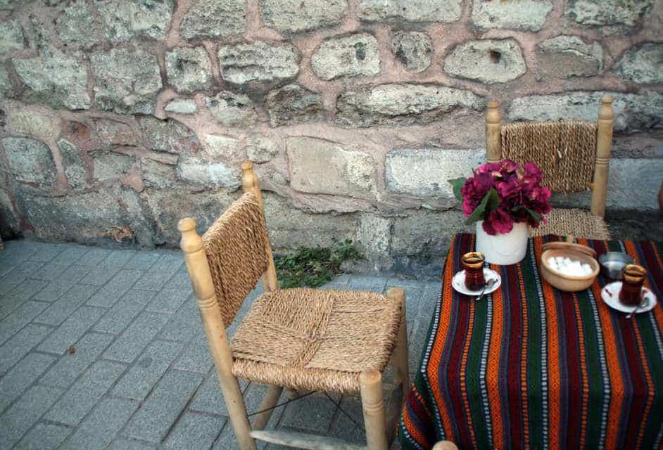 Tomar té en Estambul