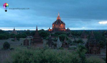 Amanecer en Bagán. Myanmar. El viaje me hizo a mí. Blog de viajes