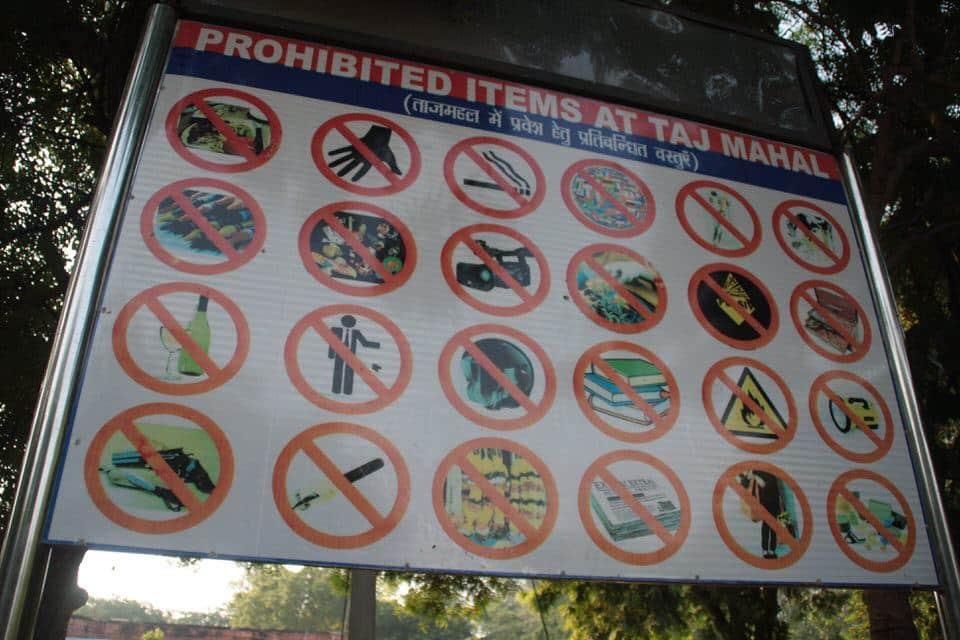 prohibido en el interior del Taj Mahal