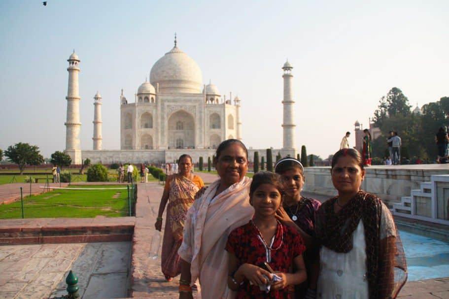 Señoras en el Taj Mahal