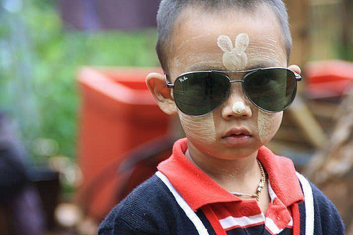 Niño birmano