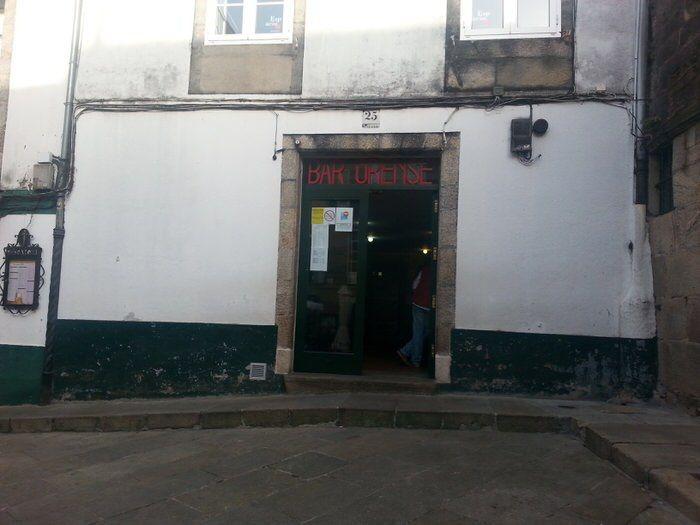 Bar Orense. Santiago. El viaje me hizo a mí. Blog de viajes