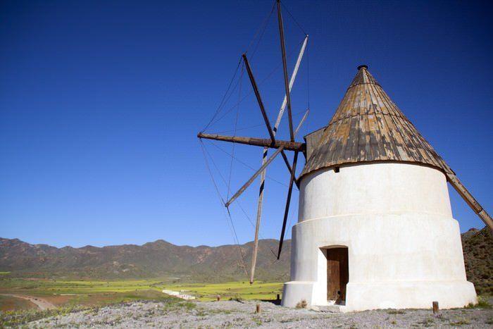 Molino de viento en el Campillo de los Genoveses