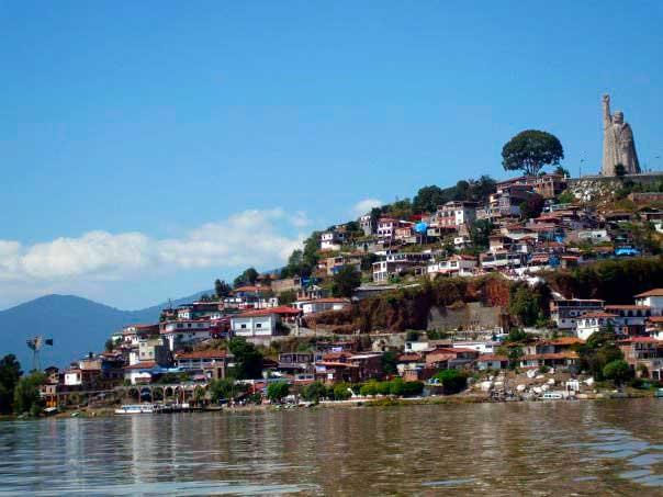 Isla-de-Janitzio.-México.-El-viaje-me-hizo-a-mí.-Blog-de-viajes