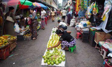 Mercado en el centro de Yangón. El viaje me hizo a mí. Blog de viajes