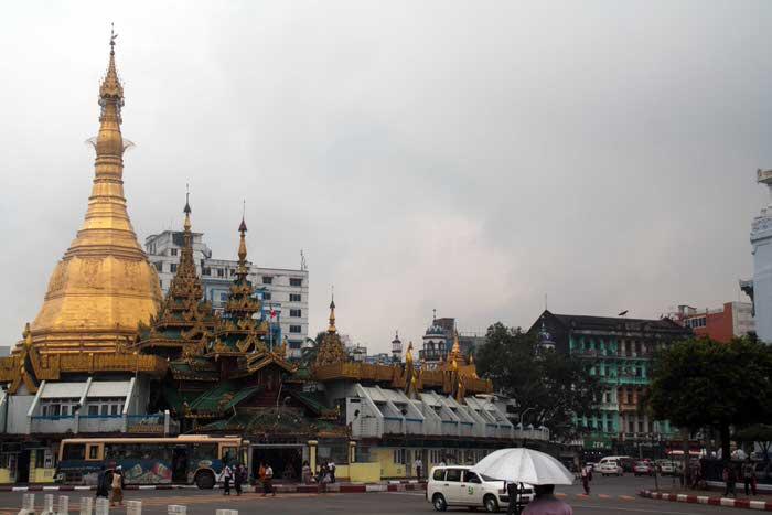 Sule Pagoda, en el centro de Yangón