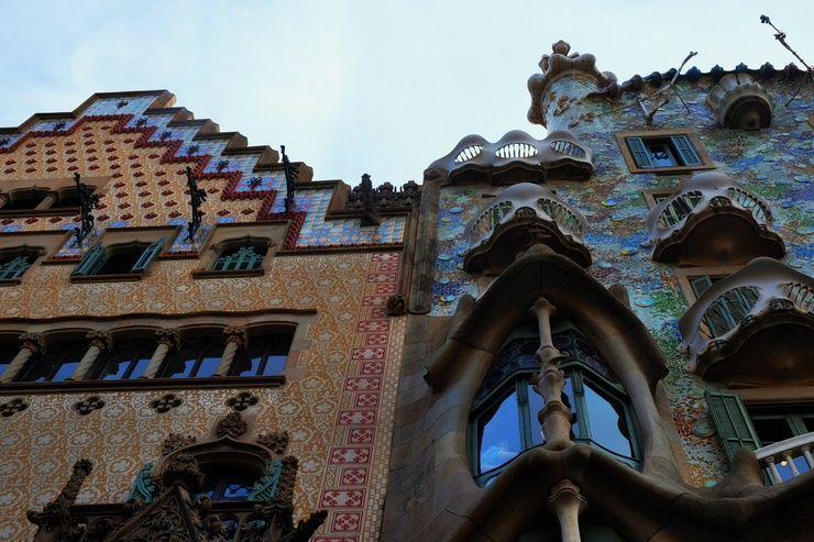 Casa Batlló y casa Lleó Morera. Viajar a Barcelona con poco dinero