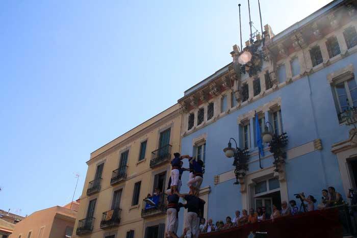 Castellers en la Plaza Vila de Gracia
