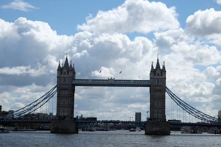 Tower Bridge desde el río