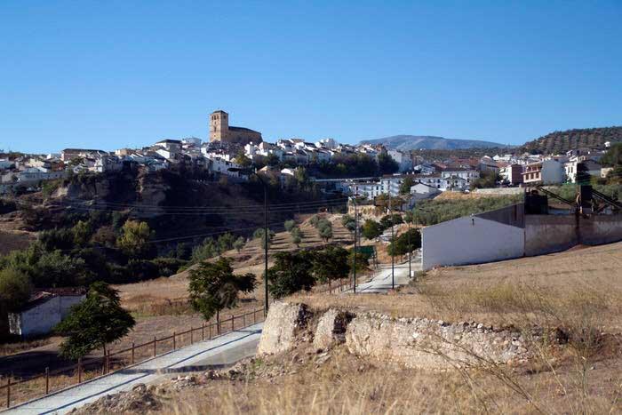 Vista de Alhama de Granada desde la carretera. El viaje me hizo a mi. Blog de viajes