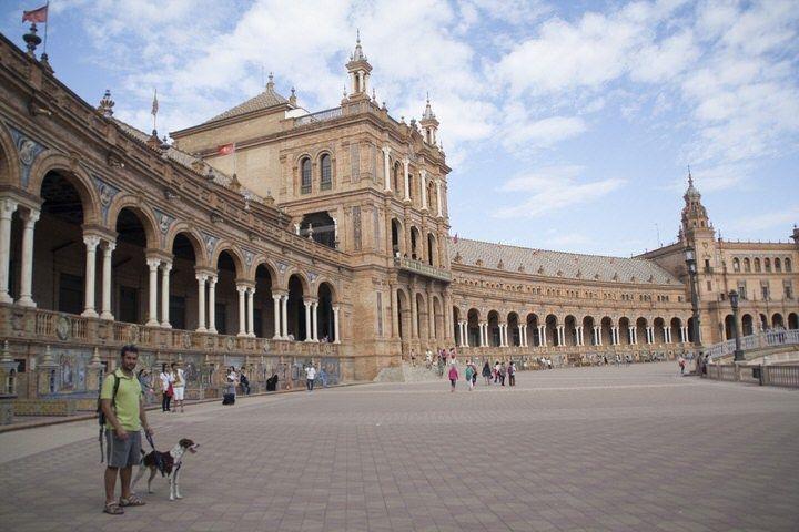 Jose y Tuno el Plaza de España. El viaje me hizo a mi. Blog de viajes