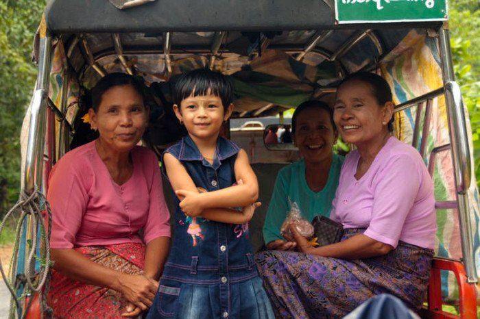 2. Mujeres de Myanmar. El viaje me hizo a mi. Imagenes. Blog de viajes. En pareja