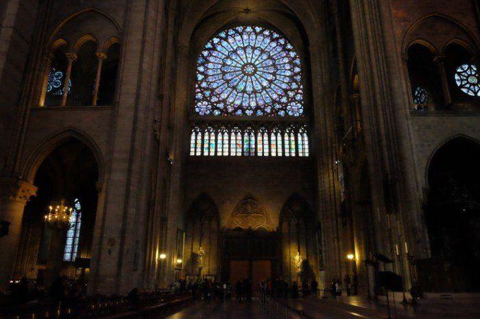 Visitar la catedral de Notre Dame es gratis. El viaje me hizo a mi. Blog de viajes. Viajar en pareja. Paris