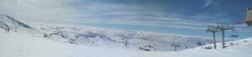 Esquiar en Sierra Nevada: cómo ir en un día desde Málaga