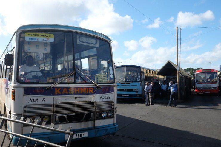 Autobús en Mauricio. El viaje me hizo a mi