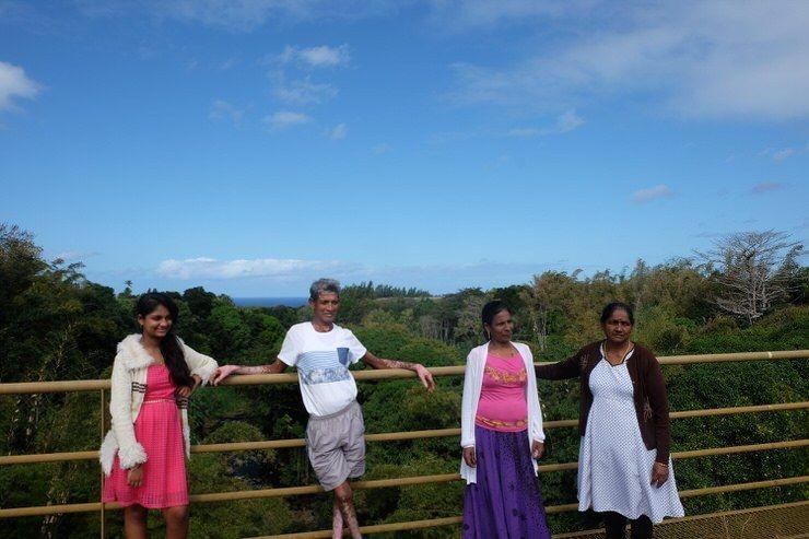 Mauricianos en un puente