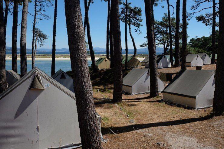 tiendas-para-alquilar-dos-dias-en-islas-cies-visita-las-islas-cies-galicia-el-viaje-me-hizo-a-mi-blog-de-viajes