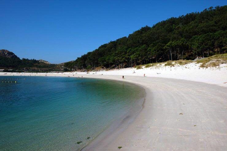 playa-de-rodas-dos-dias-en-islas-cies-visita-las-islas-cies-galicia-el-viaje-me-hizo-a-mi-blog-de-viajes