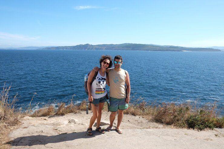 disfrutando-de-los-senderos-visita-las-islas-cíes-galicia-el-viaje-me-hizo-a-mi-blog-de-viajes
