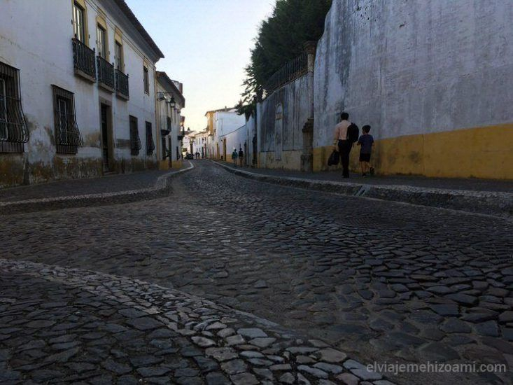 calles adoquinadas de Évora