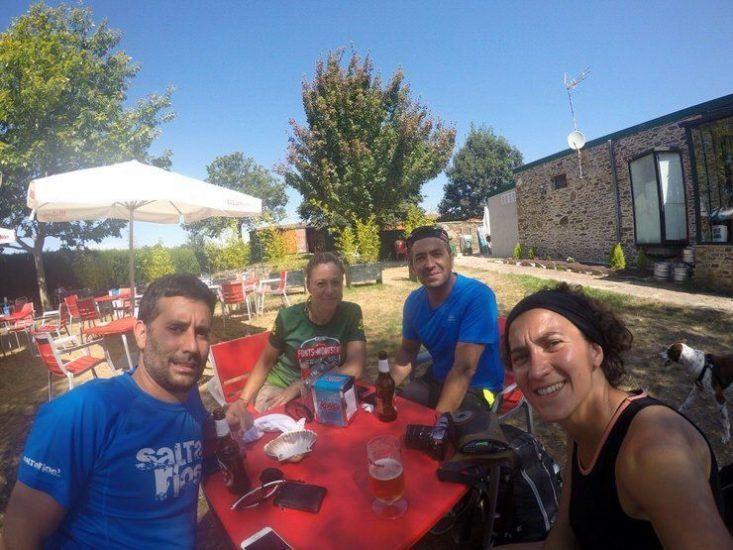 Haciendo un descanso con Sonia y Carlos, unos catalanes super simpàticos.