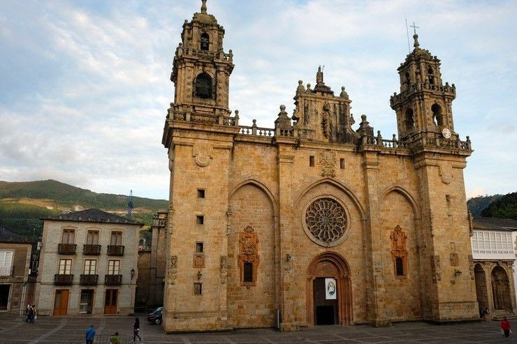 Catedral de Mondoñedo. mondonedo-parte-gallega-camino-norte-de-santiago-el-viaje-me-hizo-a-mi