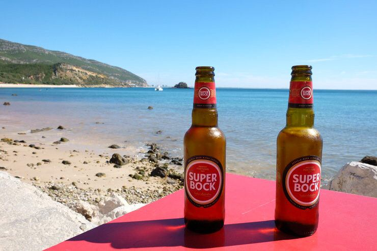 Cervecita frente al mar