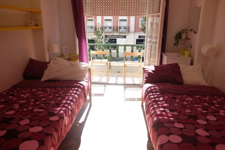 Puedes dormir en sitios baratos en Lisboa. Te contamos donde