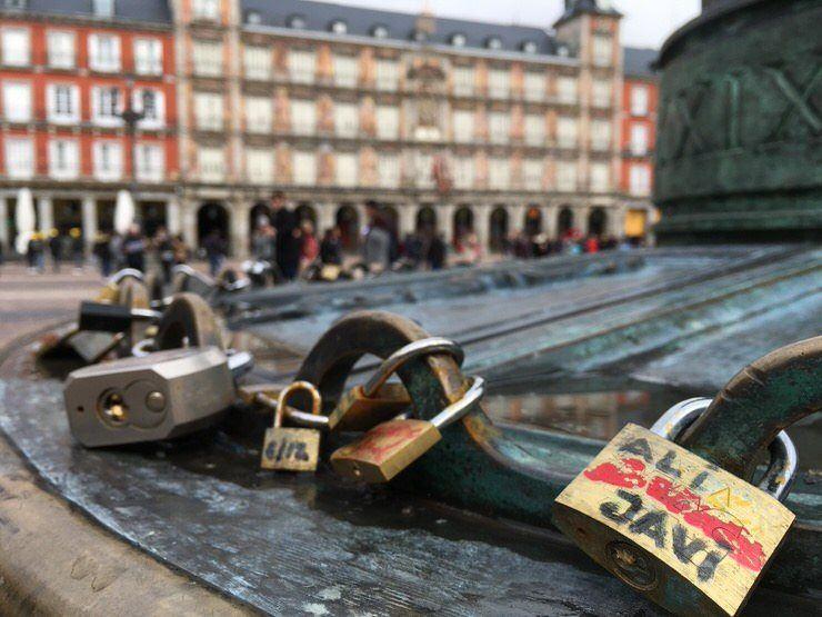 Candados del Amor en la plaza Mayor
