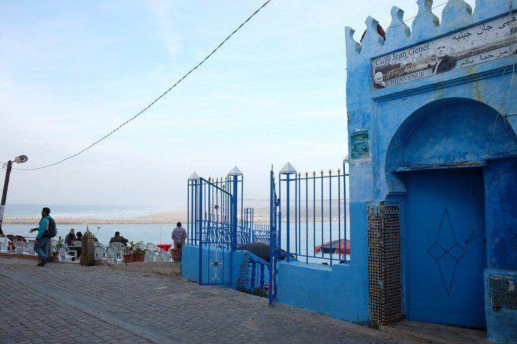 Larache tambien mira al mar. Ciudad azul de Marruecos. El viaje me hizo a mi. Blog de viajes