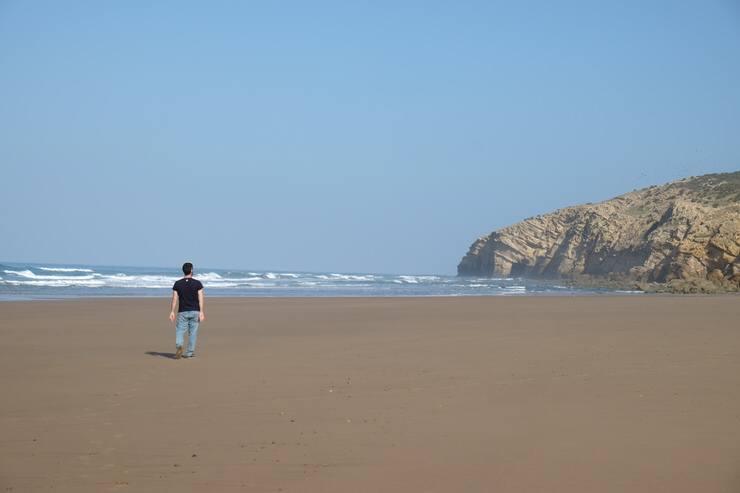 Una playa cerca de Asilah. El viaje me hizo a mi