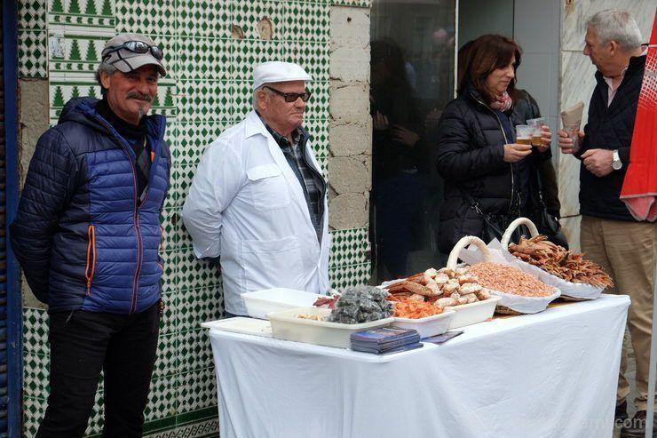 puestos callejeros del mercado de Cádiz