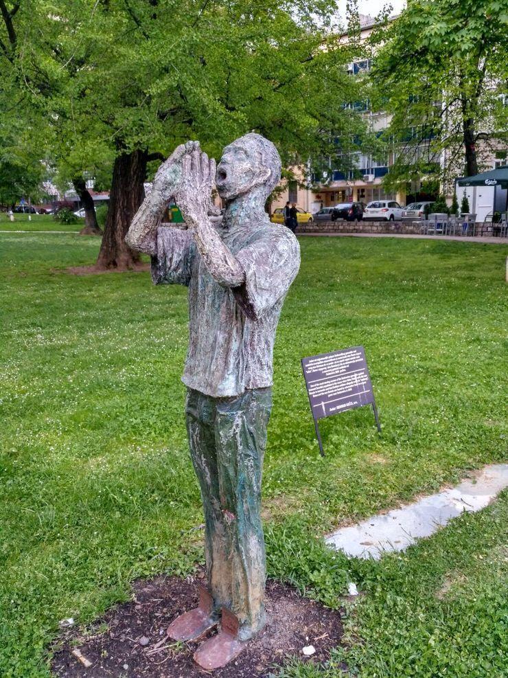 estatua en Sarajevo
