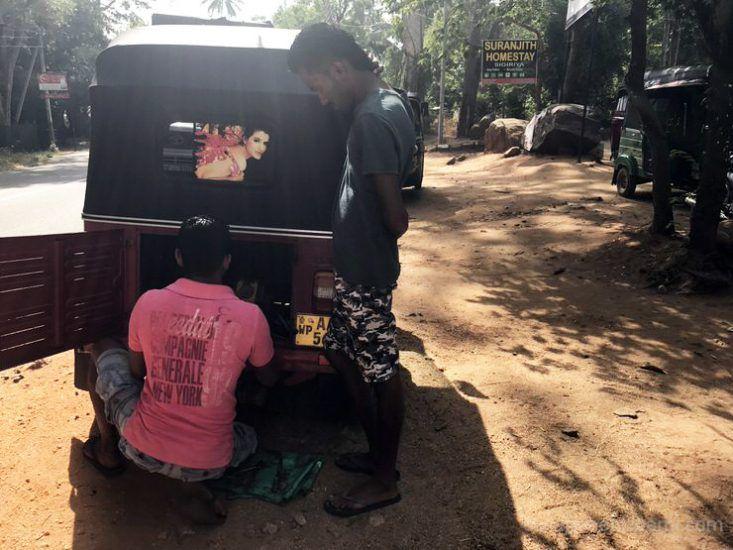 como alquilar tuk tuk en Sri Lanka