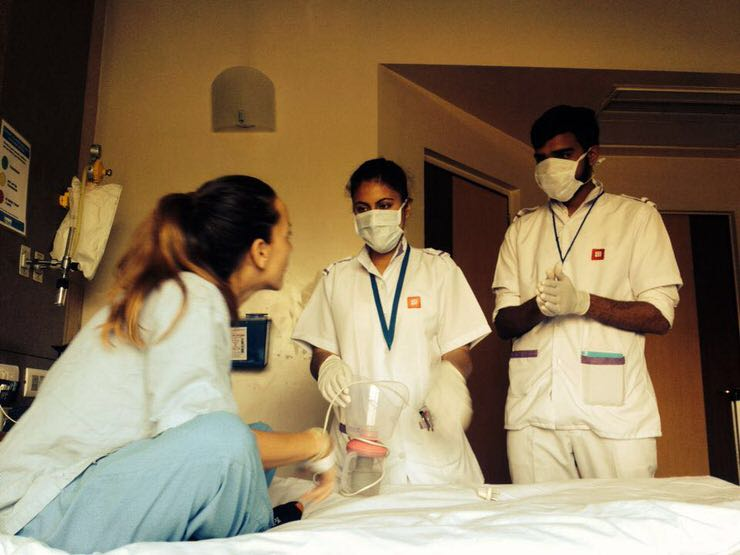 Eva en un hospital de India