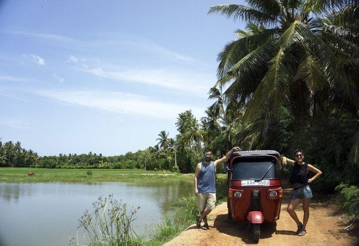 Ruta en tuk tuk por Sri Lanka. .