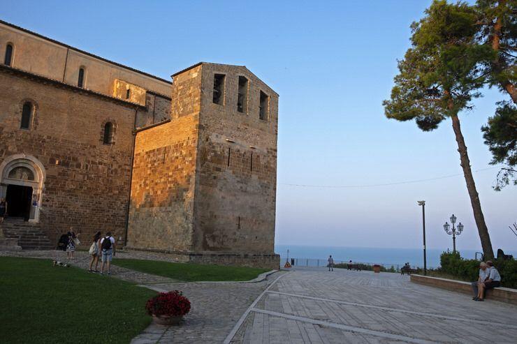 Abadia de Fosacesia. Abruzzo
