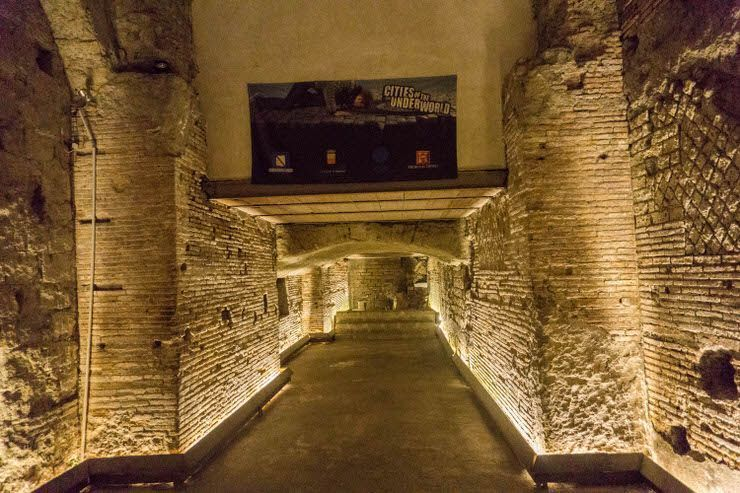Nápoles subterraneo