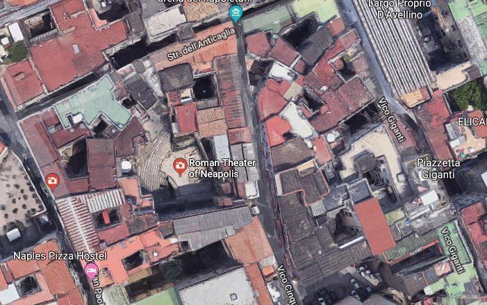 Vista aérea del teatro Romano de Nápoles