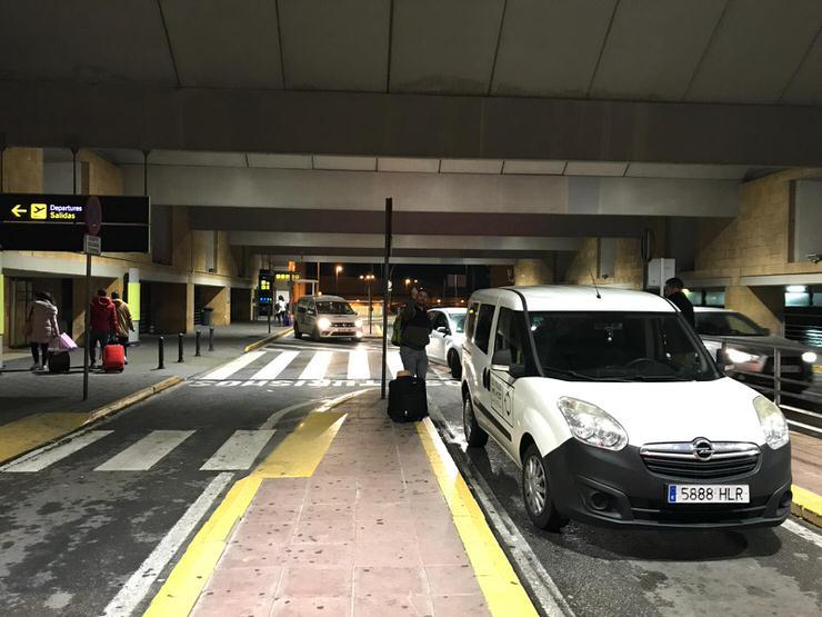 parking aeropuerto de Sevilla